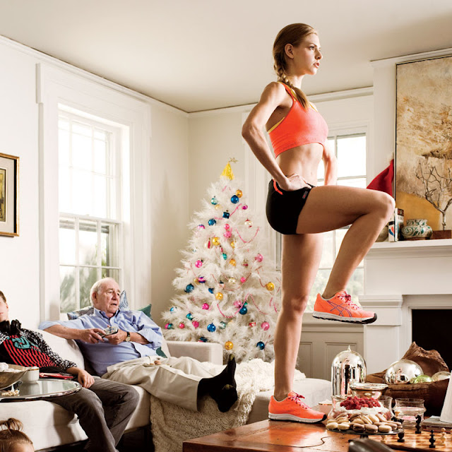 Girl Working out during the holiday season | www.theFittestBlogger.com