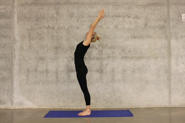 23 BEST YOGA POSES FOR BEGINNERS