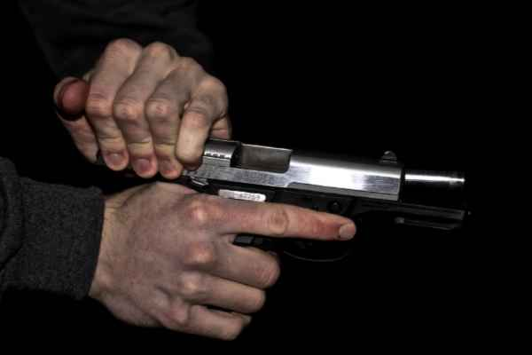brother-killed-sister-who-run-away-with-his-boy-friend-ambedkarnagar