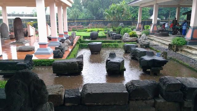 Hujan Kenangan di Museum trowulan