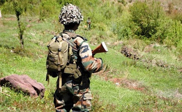 indian soldier guarding fronts