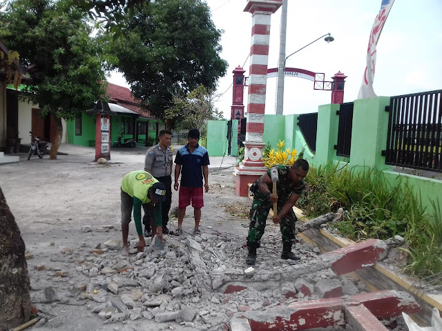Babinsa Karya Bhakti  Untuk Wujudkan Kemanunggalan TNI Rakyat