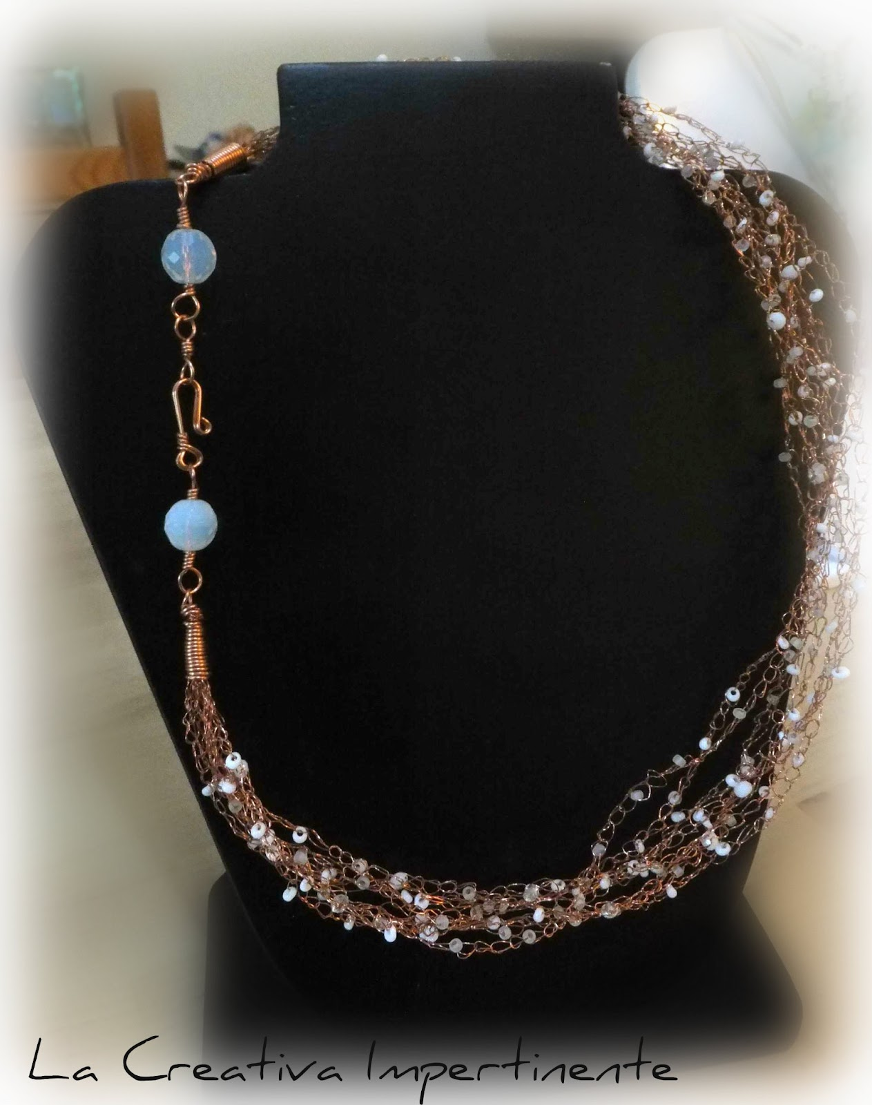 62cab6178bcf La Creativa Impertinente  Tutorial wire crochet  collana groviglio ...