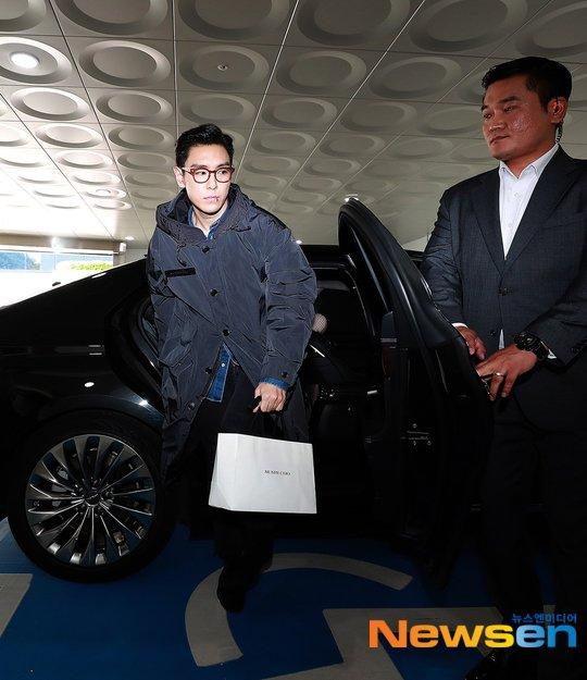 TOP askerliğinin son gününde 15 milyon wonluk kıyafet giydi