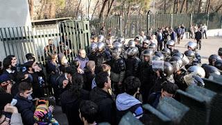 Di Demo, Pemerintah Syiah Iran Tangkap 3.700 Warganya Sendiri