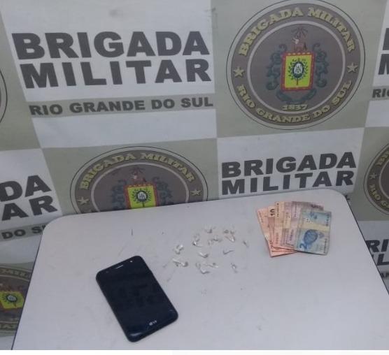 Brigada Militar realiza prisão por tráfico de drogas no bairro Anair em Cachoeirinha