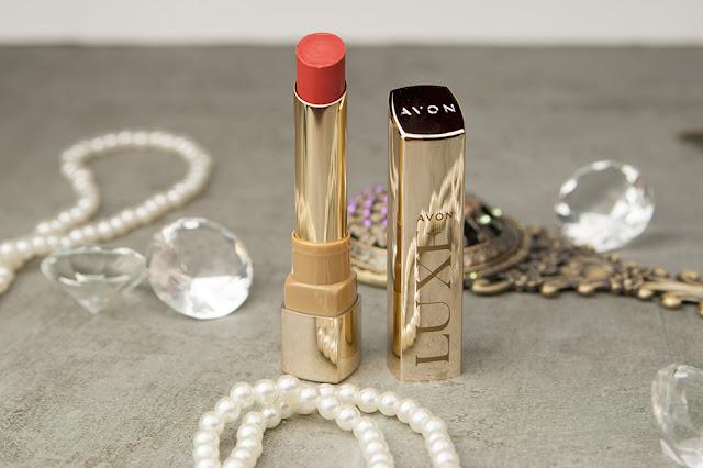 AVON Luxe Colour Serum Lipstick
