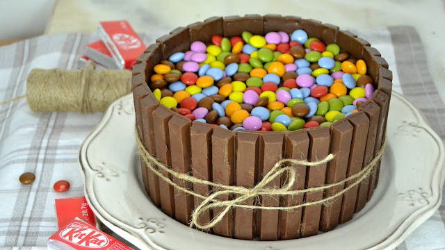 tarta de chocolate y kit kat