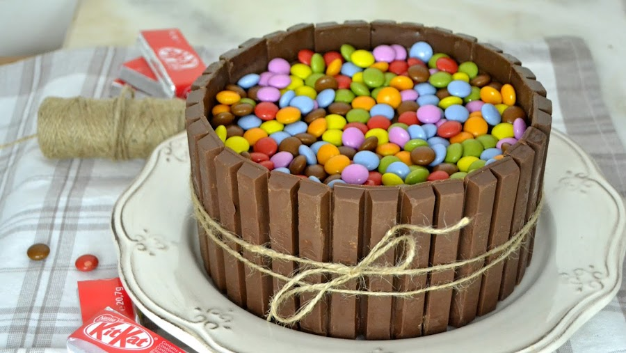 tarta de chocolate y kit kat