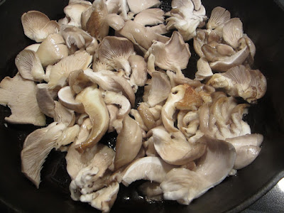 What are some good recipes to cook with oyster mushrooms?