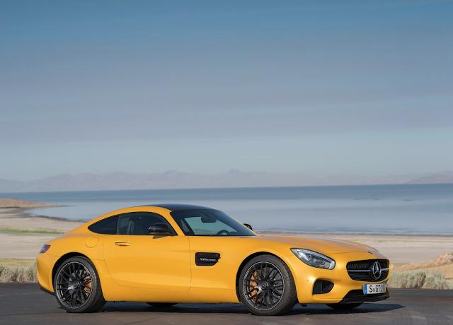 2016 Mercedes-Benz AMG GT yellow