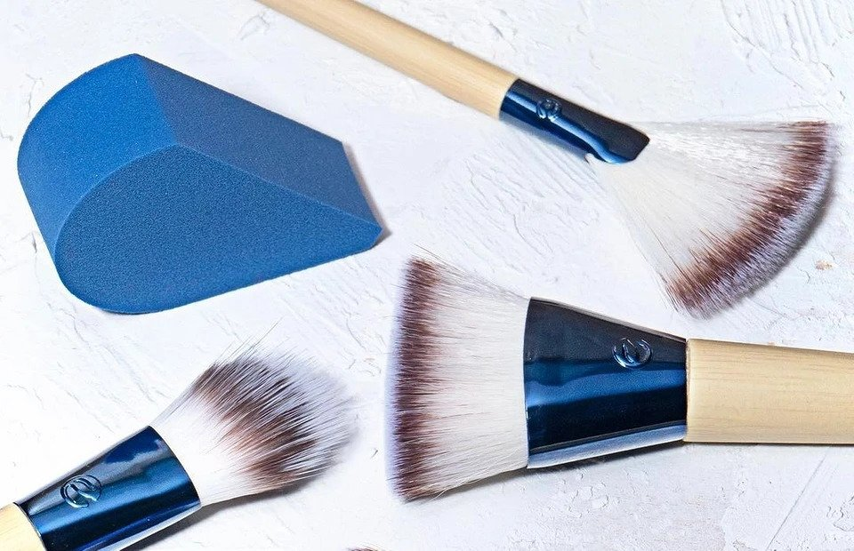 From nylon to marten: what the brush will be made of