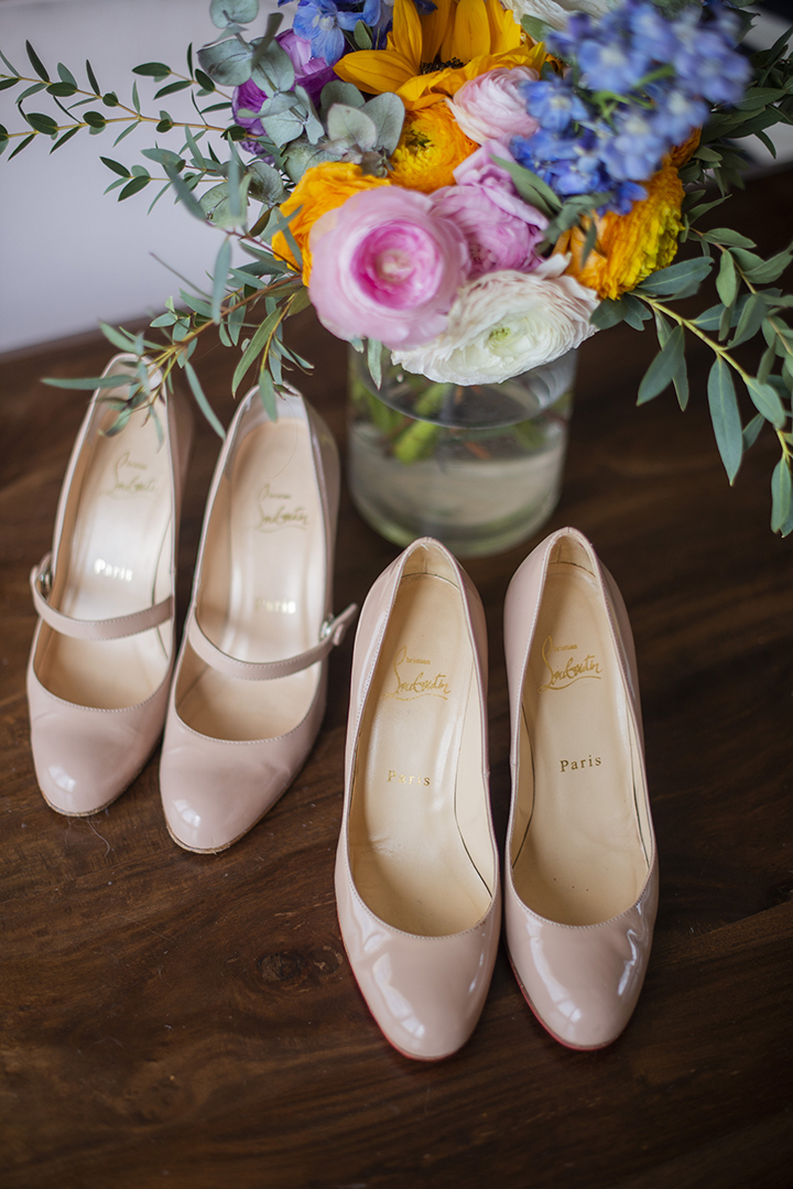 Comment dénicher des chaussures Louboutin à petit prix - escarpins beiges