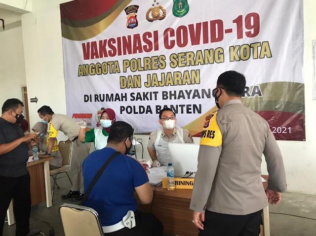 Jaga Kesehatan, Ribuan Personel Polda Banten Sudah di Vaksin