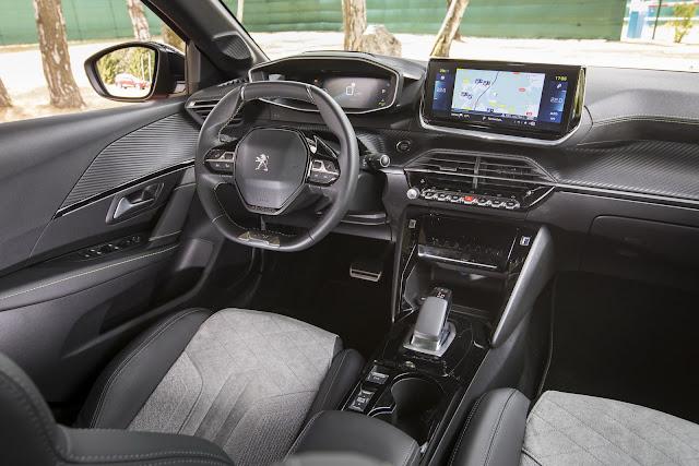 Novo Peugeot 2008 2020 - interior