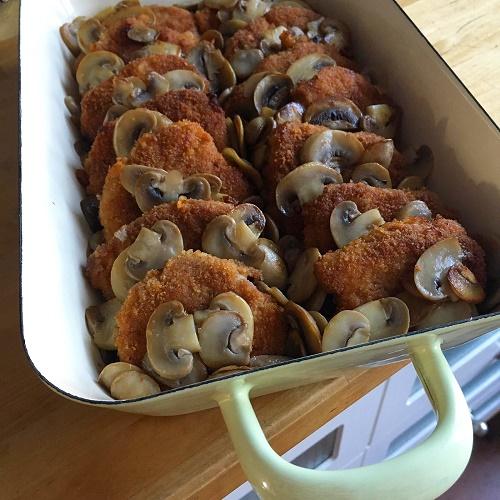 Übernacht-Schweinefilet mit Champignons in Buttermilchsauce