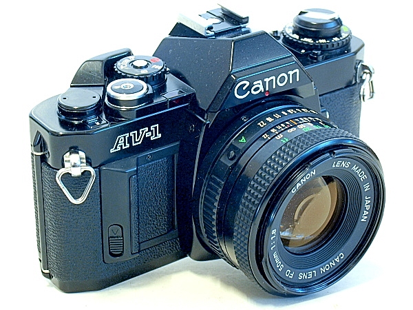 Canon AV-1, View right front