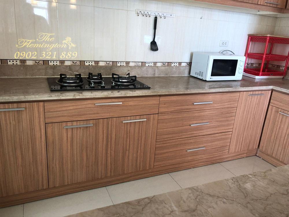 3 căn hộ The Flemington cần bán với giá chuẩn 100% so với thị trường - tủ bếp