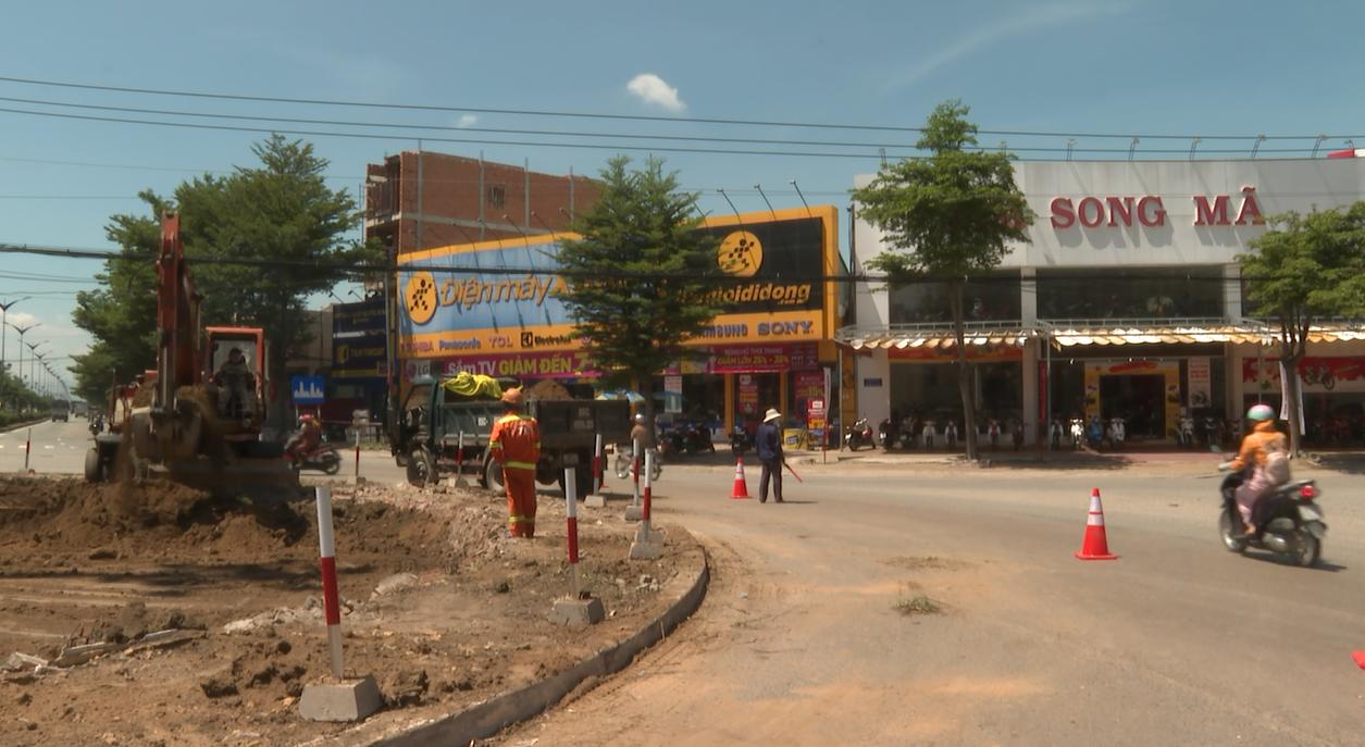 Ninh Thuận: Thi công thu hẹp vóng xoay ngã 5 Phủ Hà, TP.Phan Rang - Tháp Chàm