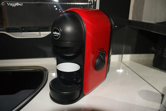 La macchina per caffè espresso compatta Lavazza Minù