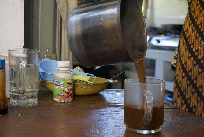 Pembuatan kopi masih sederhana