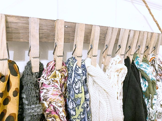 Easy and Inexpensive Way to Organize Scarves