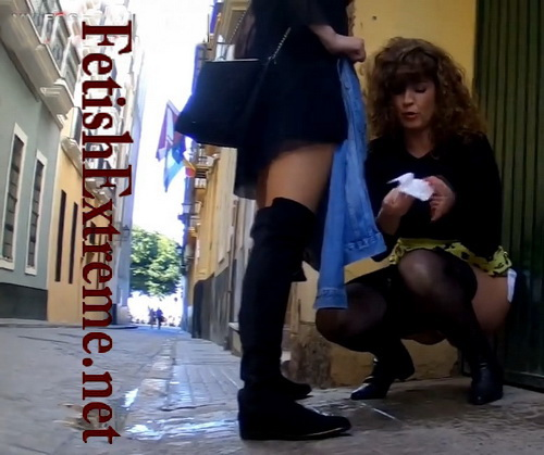 Girls Gotta Go 159-160 (Drunk girls peeing in public at the festival. Voyeur films many girls who pull down their clothes and pee at the same time)
