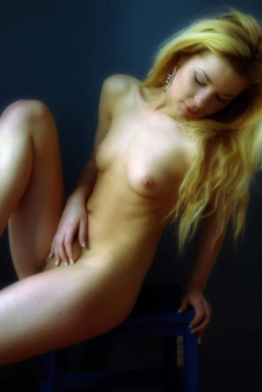 Met-Art 20040525 - Kristzy A - Feeling Blue - by Richard Murrian 20040525_-_Anna_T_&_Tanya_I_-_Pure_Fun_-_by_Voronin.zip.MET-ART_AF_162_0017