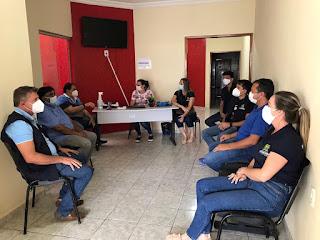 Prefeitura de Catingueira reúne profissionais de saúde para tratar de ações de combate a Covid-19