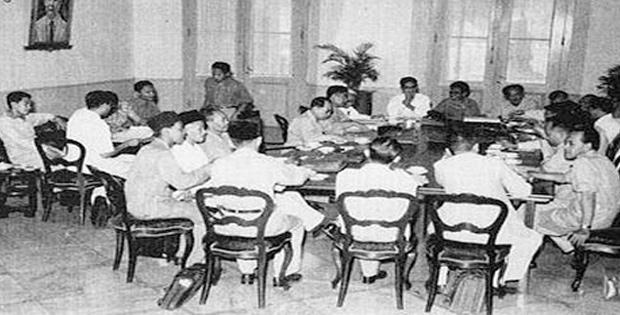 Hasil Sidang Kedua PPKI pada Tanggal 19 Agustus 1945