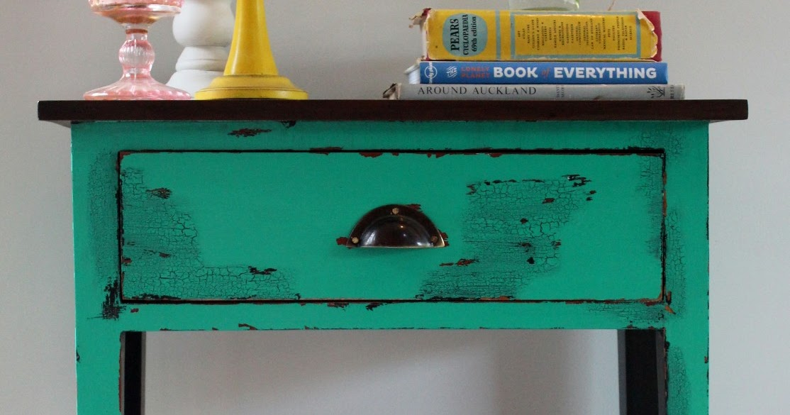 Damzl In Distress Crack Le Me Up Bright Green Side Table