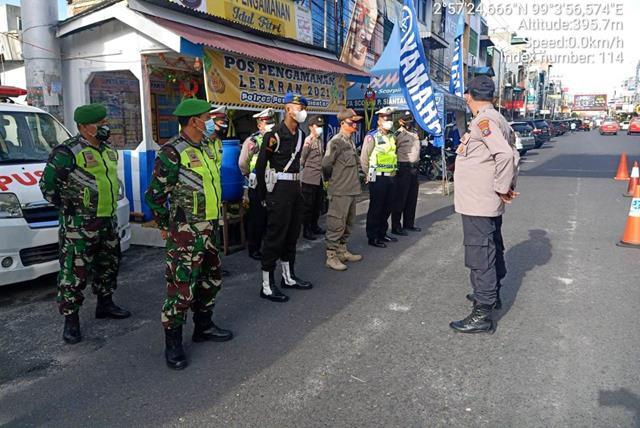 Personel Jajaran Kodim 0207/Simalungun Bersama Dinas Terkait Laksanakan Pam Ops Ketupat Toba Ta 2021
