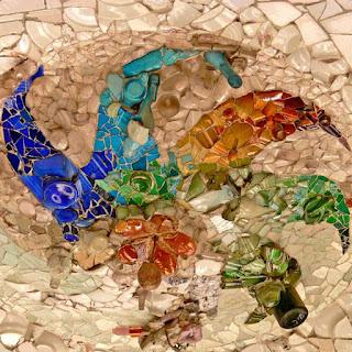 Plafón de la sala hipóstila del Park Güell de Gaudí