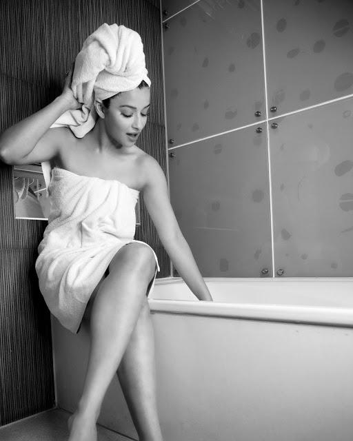 Actress Nyra Banerjee Latest Hot Pics