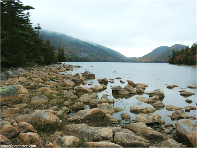 Jordan Pond en el Parque Nacional Acadia en Maine