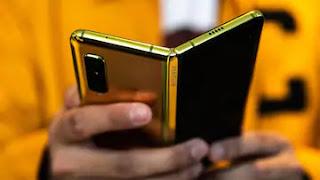 सैमसंग गैलेक्सी फोल्ड  मोबाइल - Samsung Galaxy Fold Mobile