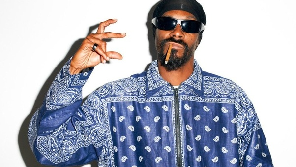 Snoop Dog is a Crip. PunkMetalRap.com