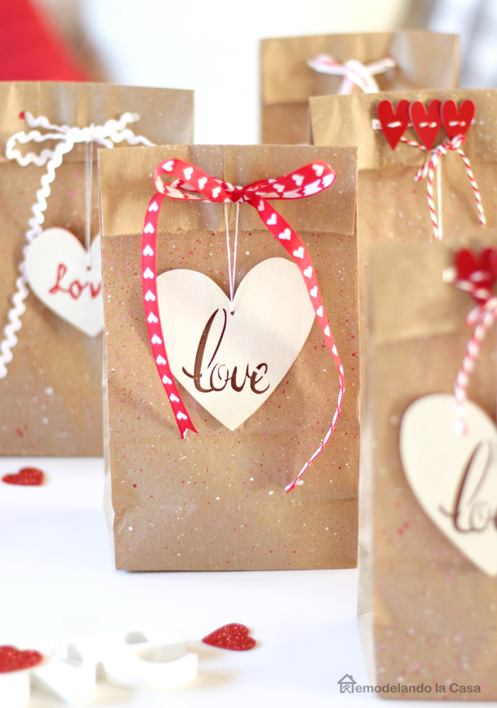 splatter bags with love wooden tags