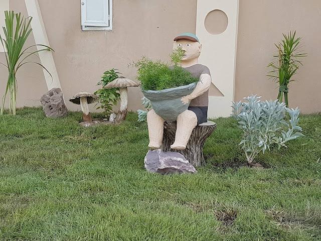 فني تنسيق حدائق بالرياض