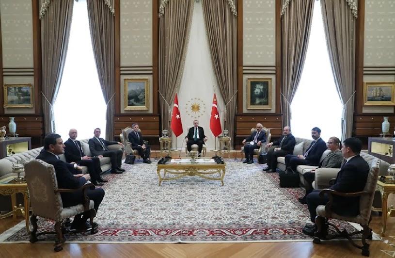 Ποιοι και γιατί «αβαντάρουν» τον «τζογαδόρο» Ερντογάν;
