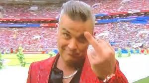 Musique: Robbie Williams, son geste ahurissant pendant la Coupe du monde