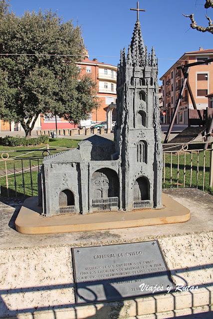 Oviedo hermanada con Valencia de Don Juan