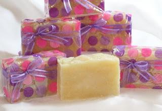 lavender soap, lavender essential oil, handmade soap, shurleyscreations, raggedyrhondas