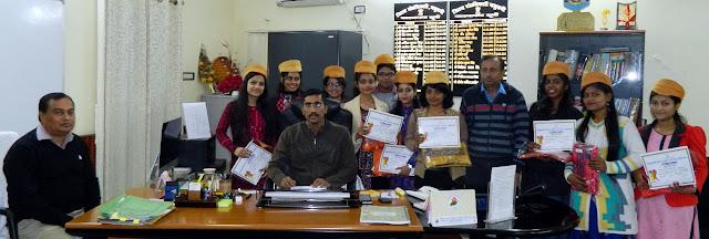 madhubani-dm-honored-youth-frstival-team