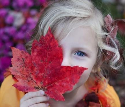 صورة بنت جميلة جدا عيونها زرقاء