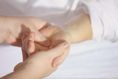 علاج مسمار اللحم في الإصبع اليد والقدمين