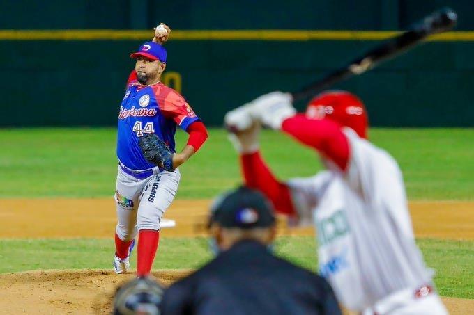 Con gran labor de César Valdez Dominicana vence a México y conserva su invicto