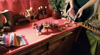 Monatsfeier im Dezember, Puppenspiel im Kindergarten, Wollzwerge, Filzfiguren, Puppenspiel im Waldorfkindergarten