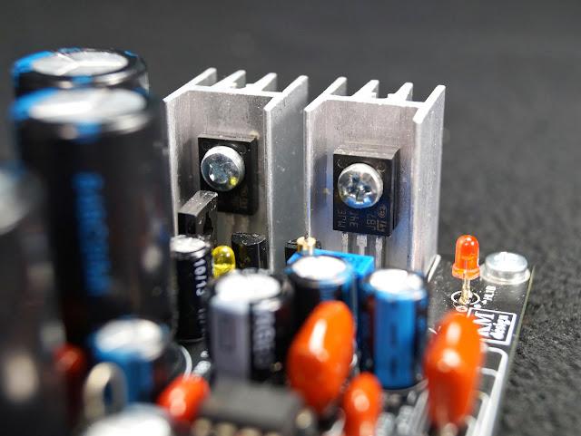 Сборка набора усилителя для наушников на OPA2134. Установка транзисторов.