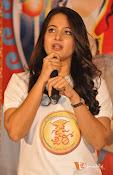 Anushka at Size Zero Pressmeet-thumbnail-7
